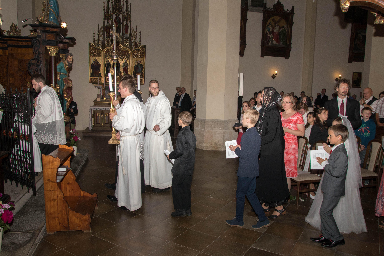 ff61062074c Video a fotografie z pontifikální Mše svaté s biřmováním (aktualizováno)